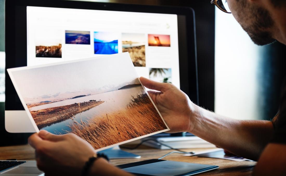 Choix d'images. Photo utilisée pour les sites web www.francois-le-moing.fr et www.francois-le-moing.com Auteur : RawPixels. Licence CC0-Creative-Commons